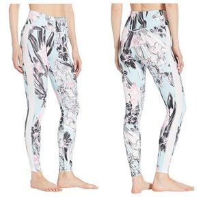 6863bdd8539 Nike Pants - Nike One Women s Floral Tights AJ8863-449 NWT S